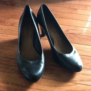 Black heels Sz 7